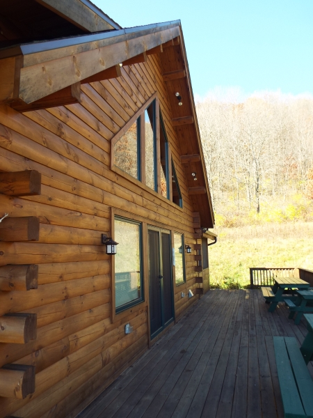 Crooked creek construction log home exterior side view for Building house with side views